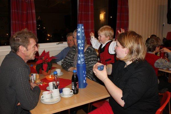 juletrefest-og-lysmesse-2011-094