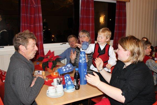juletrefest-og-lysmesse-2011-096