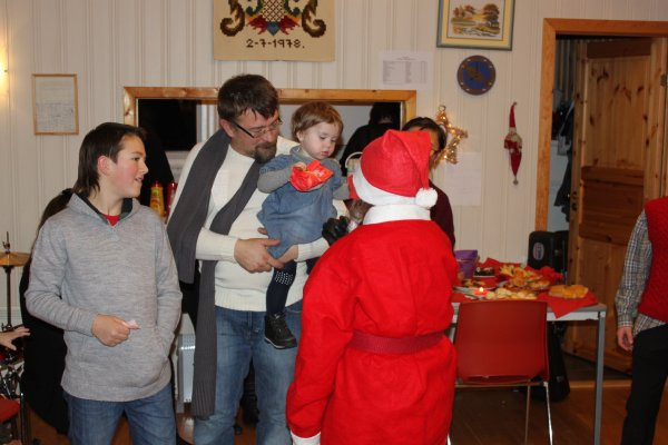 juletrefest-og-lysmesse-2011-111